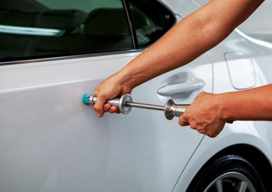 Как вытянуть вмятину на автомобиле своими руками